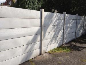 Hasznos a magas betonkerítés