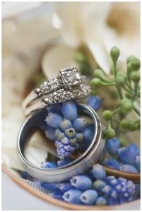 A gyémánt árakat meg lehet tekinteni a whiteandblack.hu oldalon